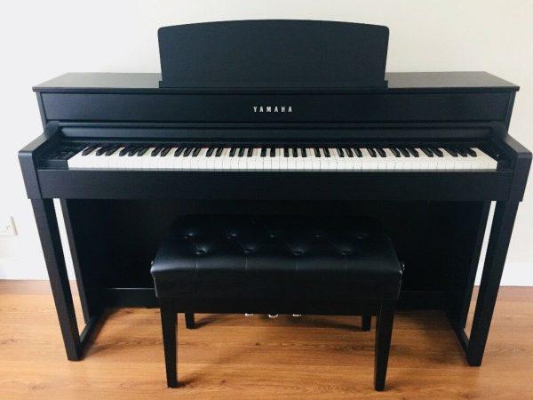 piano Yamaha CLP-575