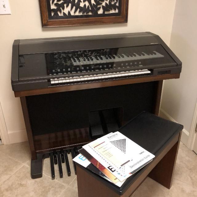 Organ điện Yamaha Electone EL90