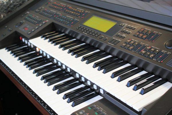 Organ điện Yamaha Electones EL90