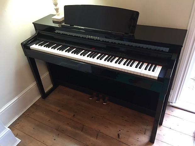 Piano điện Yamaha CLP470