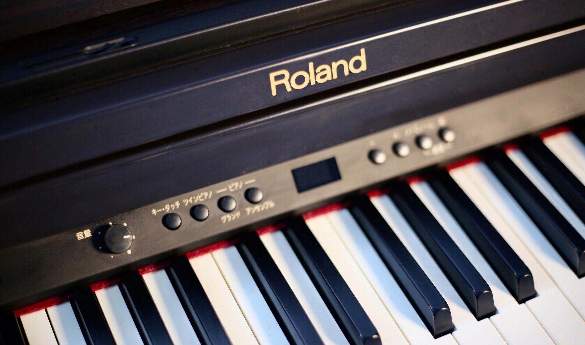 dan-piano-dien-roland-rp301