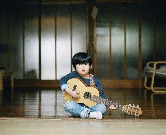 huong-dan-chon-dan-guitar-cho-tre-nho-1