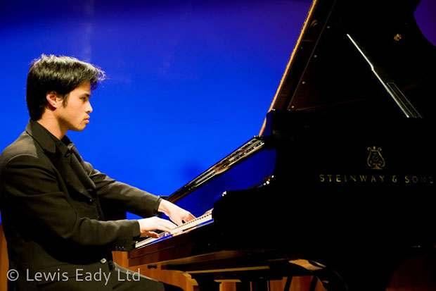 nghe-si-piano-viet-nam-hoang-pham-1