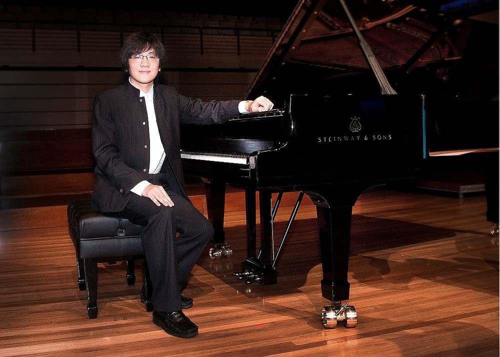 nghe-si-piano-viet-nam-luu-hong-quang-1