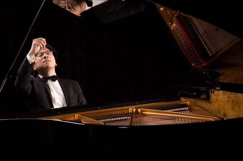 nghe si piano viet nam luu hong quang 3