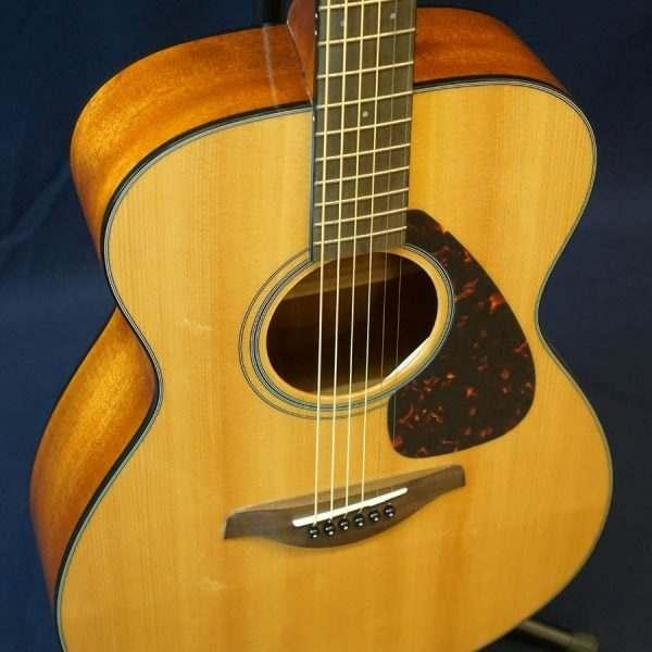 Guitar Yamaha FS800