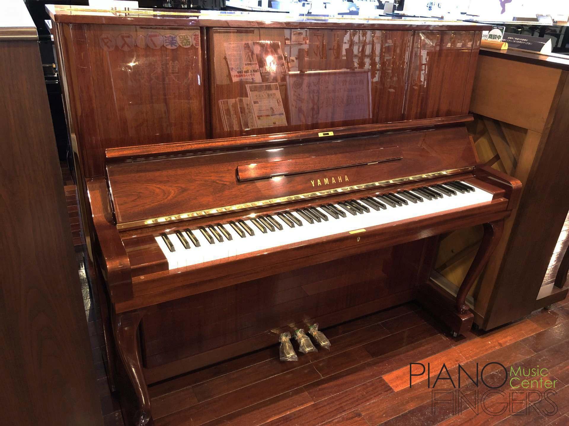 top-8-cay-dan-piano-co-yamaha-cu-dang-mua-nhat-2021-yamaha-w106