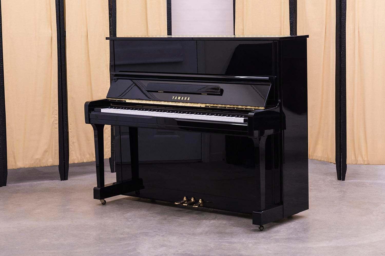 upright-piano-co-Yamaha-U100