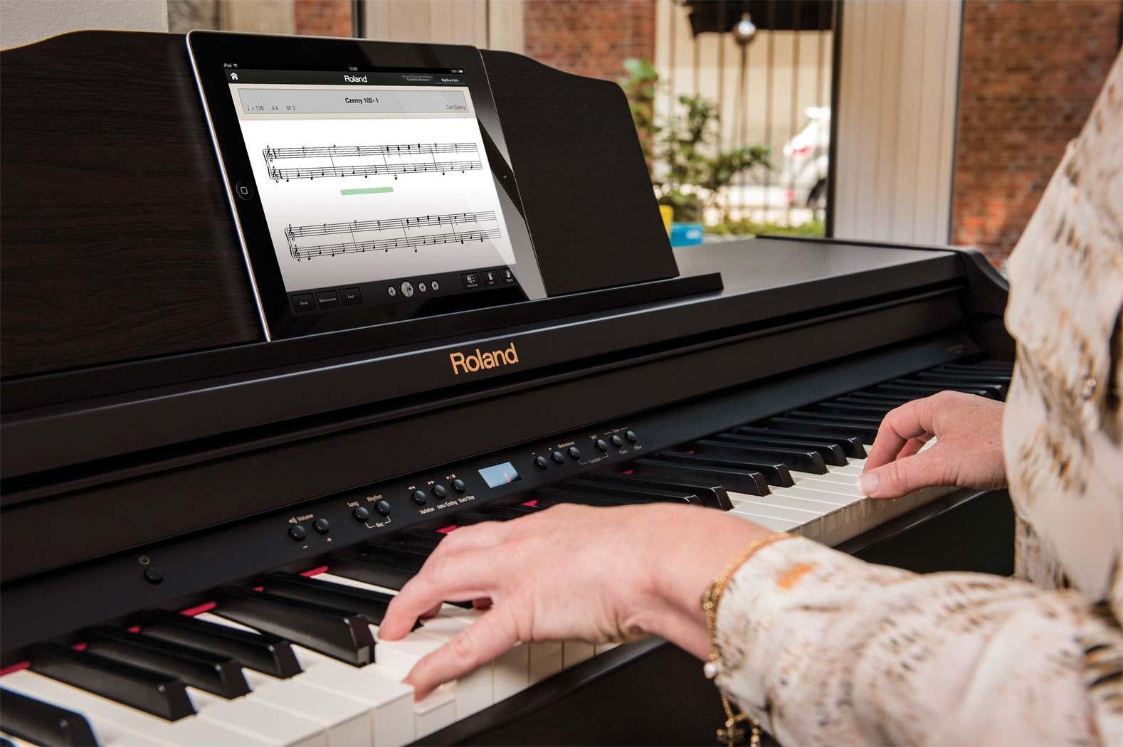 Piano Roland RP-401R