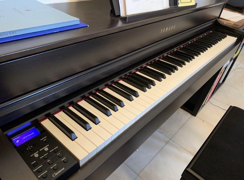 Yamaha CLP-635