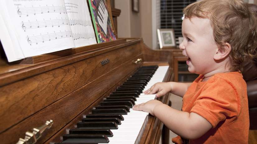 hoc-piano-co-can-nang-khieu-khong-1