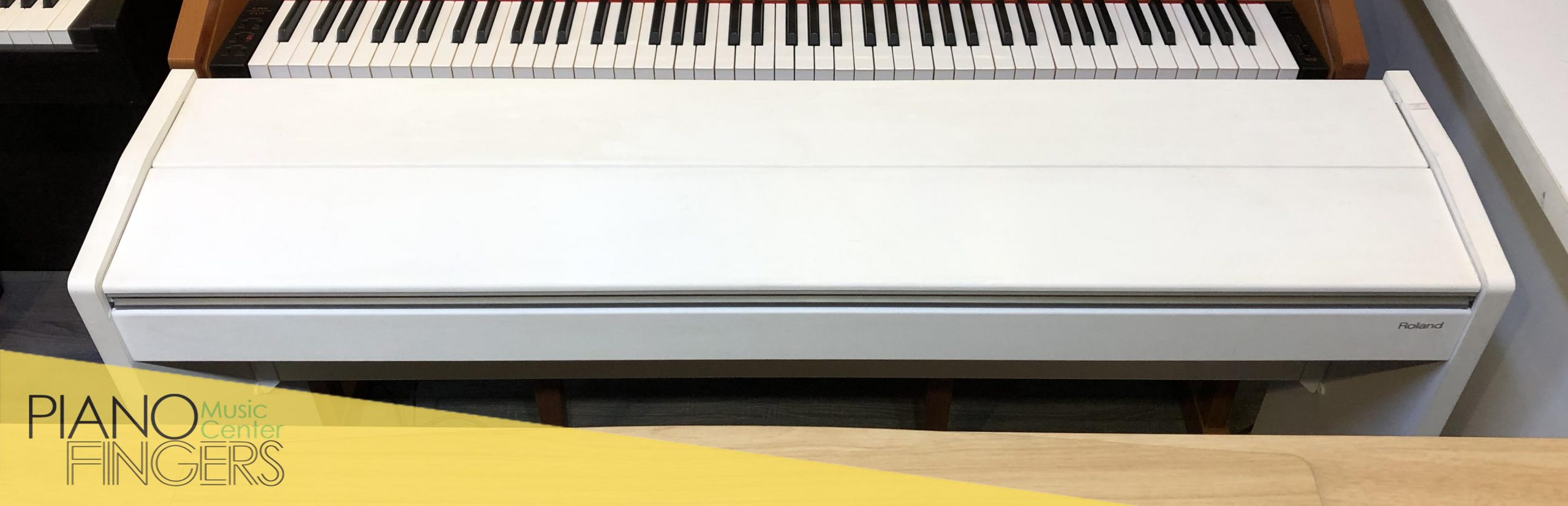 piano điện roland f-120 1