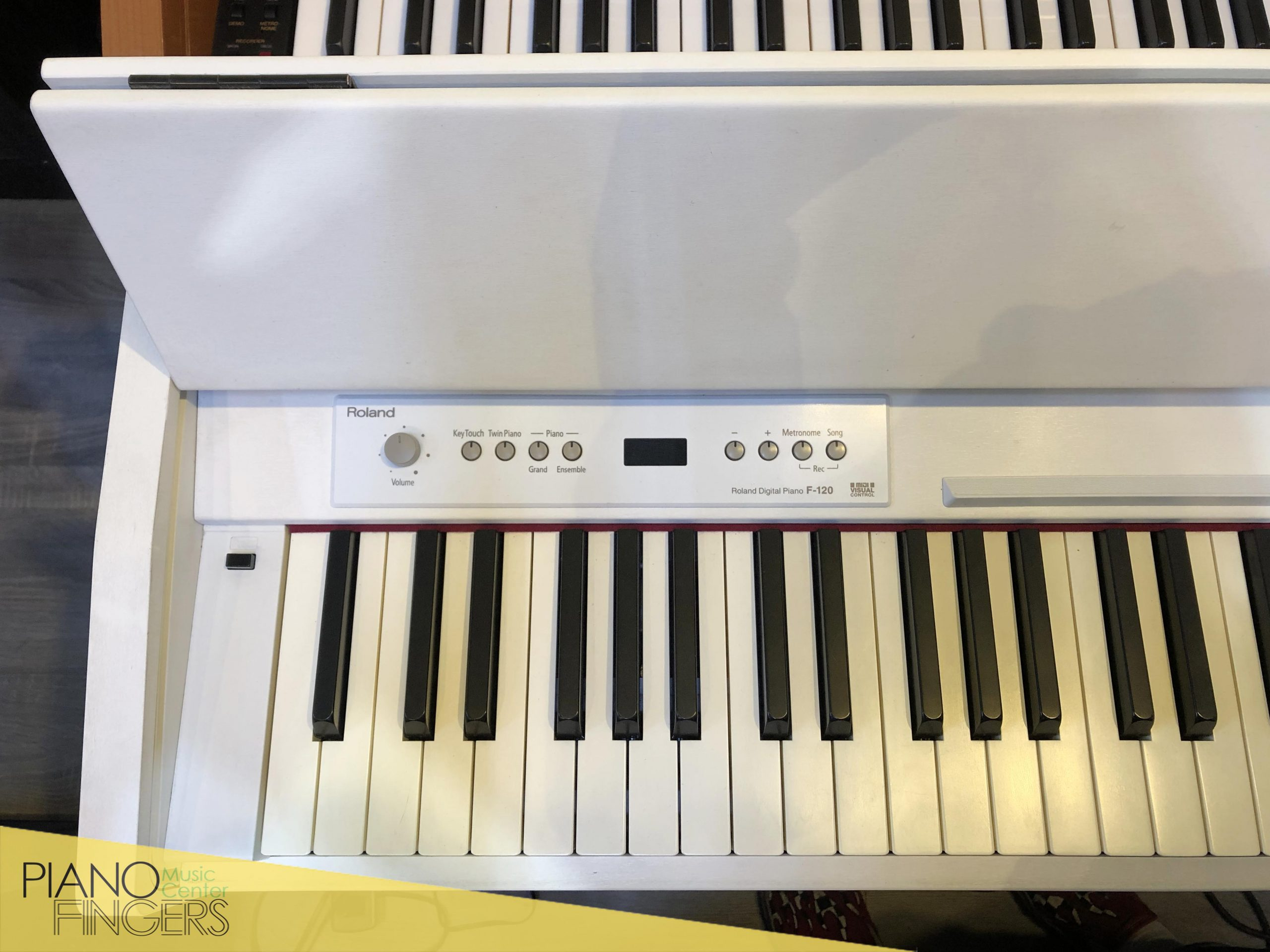piano điện roland f-120 5