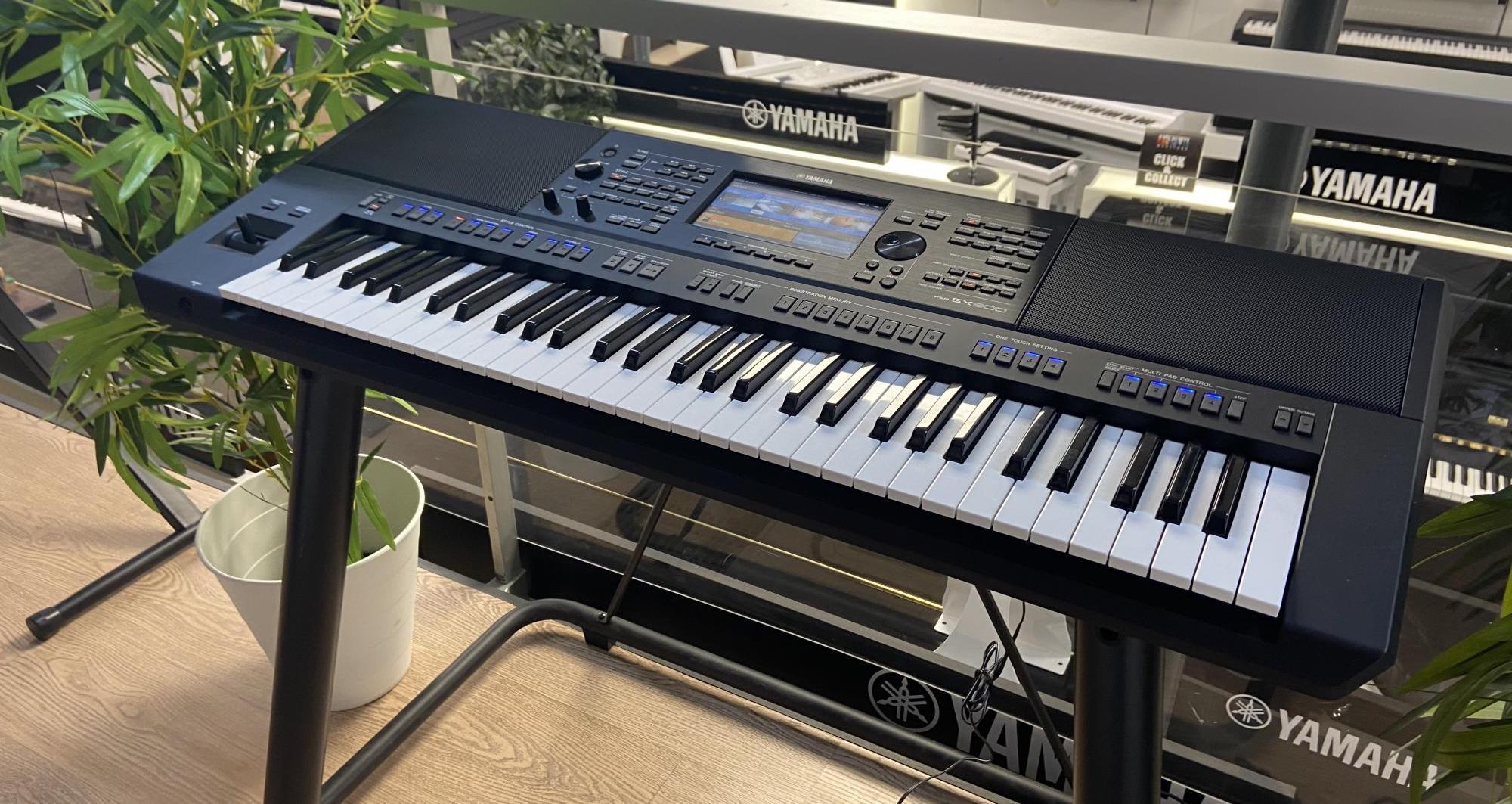top-10-dan-organ-cho-nguoi-moi-bat-dau-nam-2021-yamaha-psr-sx900