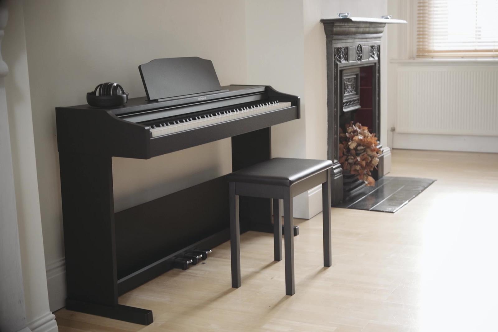 bao-quan-dan-piano-dien-khi-thoi-tiet-nong-am-4