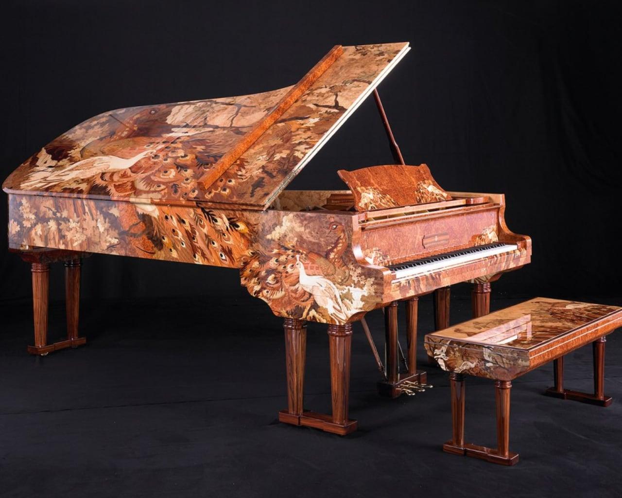 top-10-cay-dan-piano-dat-nhat-11