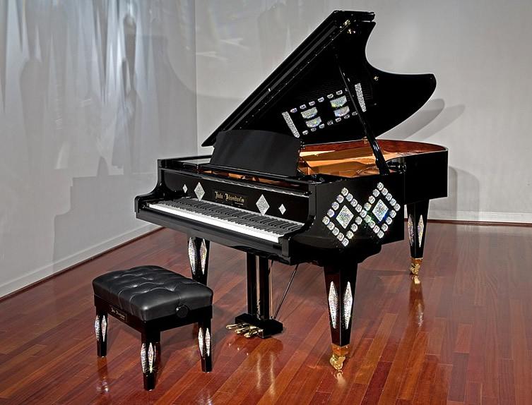top-10-cay-dan-piano-dat-nhat-8